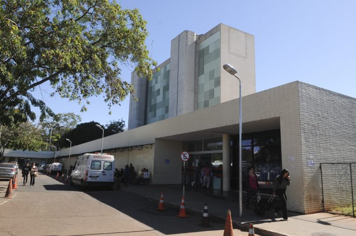 foto da faixada do hospital de base de Braília